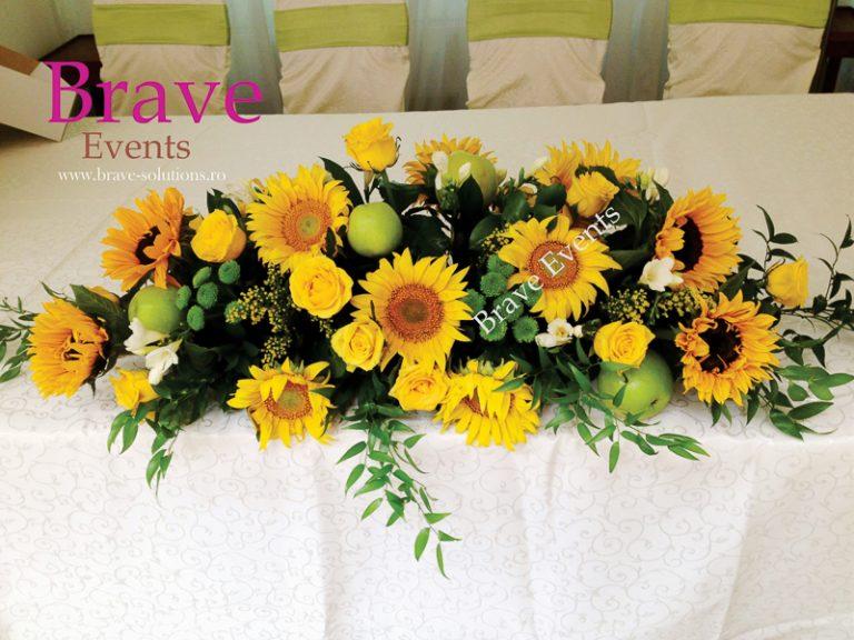 Aranjament Prezidiu Floarea Soarelui Brave Events